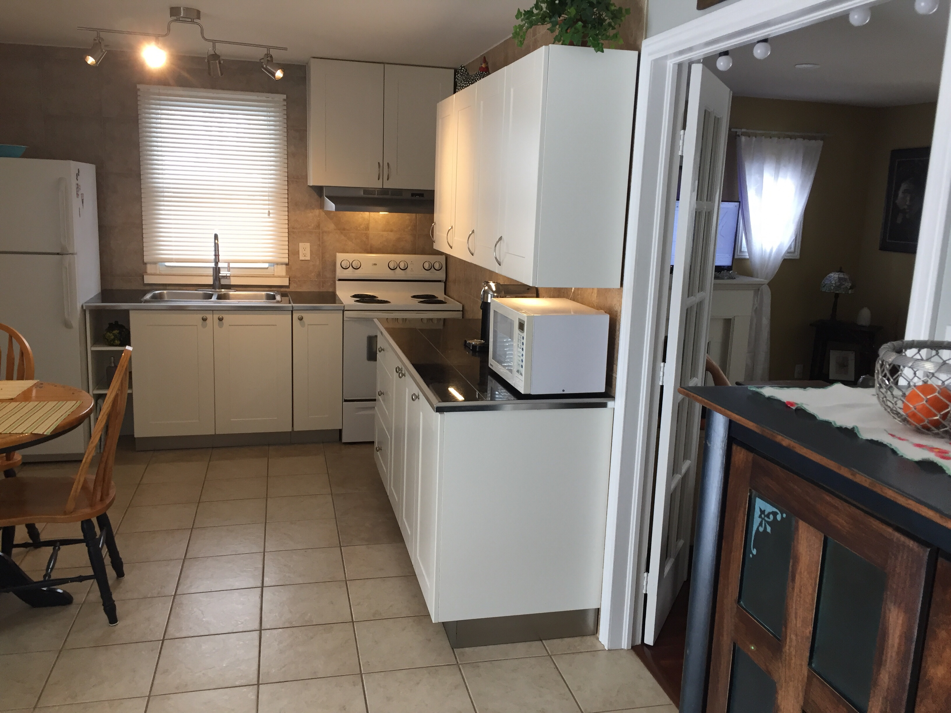 guy rentals with miles orng ontario offers all cottage tab wasaga the public cottages broad beach sandy amenities of shirt seven daytrip companion sable sauble